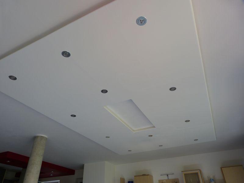 abgehängte Decke mit LED Spots